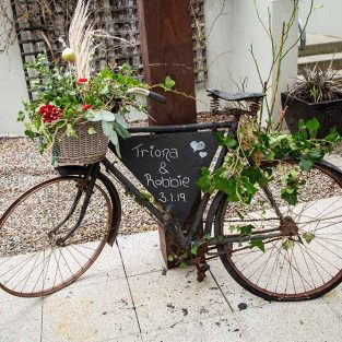 Mrs-RedHead-wedding-bike